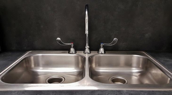 comment déboucher ses tuyaux? - plombier brossard - Comment Deboucher Un Lavabo De Salle De Bain